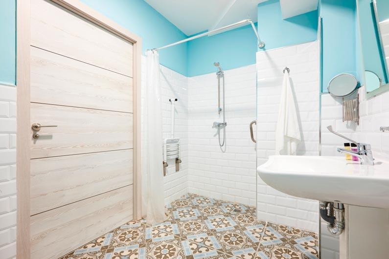 Cómo reformar un baño para que sea accesible
